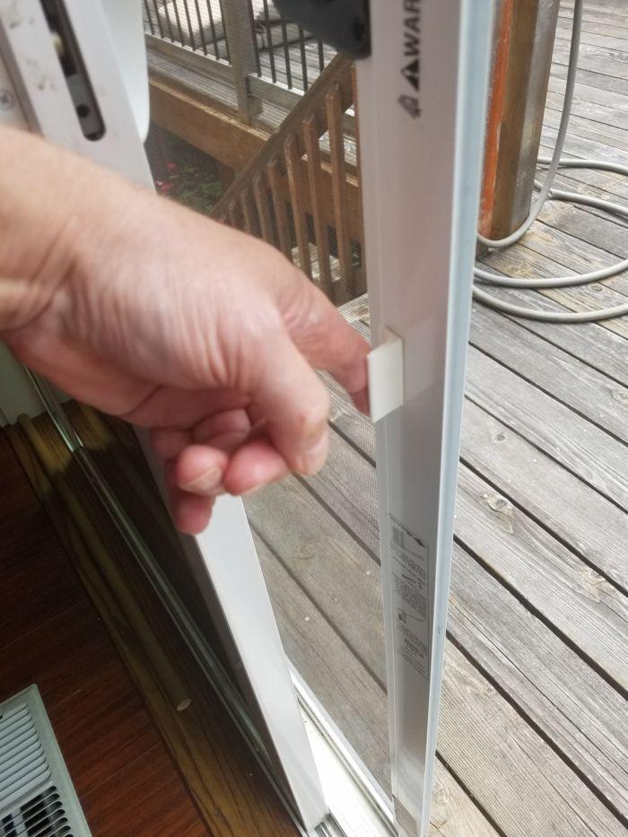 FingerGlide on Screen Door